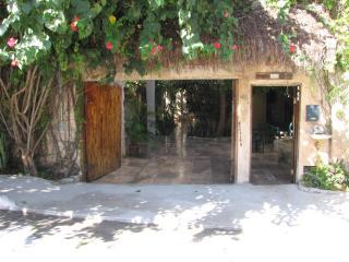 STONE TREE TULUM- HOUSE & COTTAGE-Sleeps 13