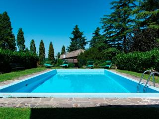 La Secchia Rapita: Villa con piscina a Bologna