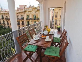 Central Apartment with Terrace, Barcelona
