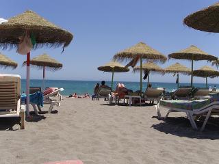 BEAUTIFUL APARTMENT NEXT TO THE BEACH. FREE WIFI