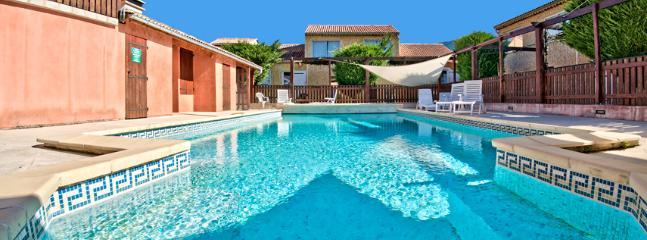 piscine chauffée vue du spa