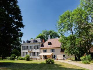 """""""Le petit Château de Vary"""" Chambres d'Hôtes, Magny-Cours"""