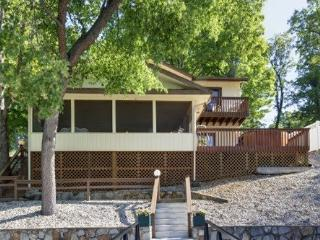 Hillcrest - Ideal Family Retreat with Great Water Views. 39 MM Osage Arm (Brush Creek Cove), Sunrise Beach