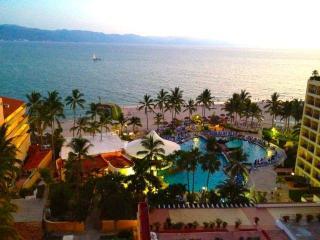 Wonderful 2BR, Ocean Views, Beachfront - WiFi, Puerto Vallarta