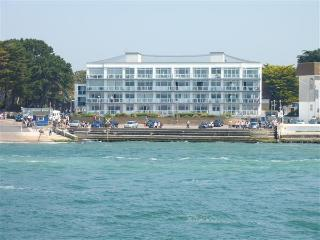 Live the Dream in a Deluxe Apartment in Sandbanks, Bournemouth