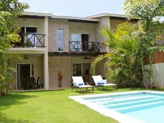 LOW RATE, Sleeps 12p. Only 75mtr From BEACH !, Las Terrenas