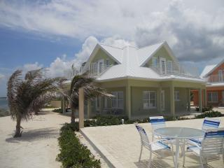 Luxury Home near Rum Point w/ Beachfront Pool, Spectacular Views, # 4 Green