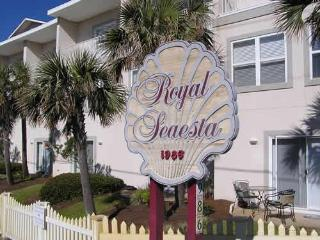 Destin Miramar Beach Townhome - Steps to the Beach