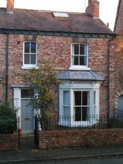 Character town house 5 mins from York city walls.