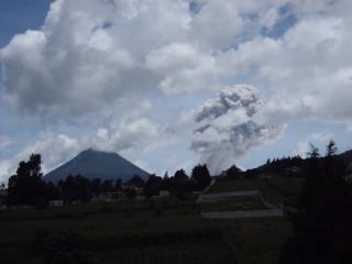 sol y volcan, Quetzaltenango