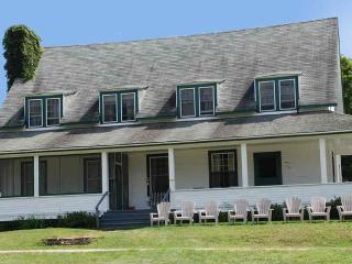 The Main Lodge Cottage - Clyffe House Cottage Resort