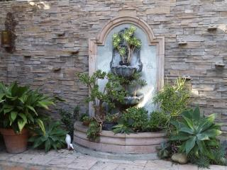 W. Hollywood /Beverly Hills adj House +Guest house
