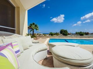 Oceanview Villa 113 - Spacious with sea views