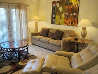 Beautiful 1 Br / 1 Ba Condo at Legacy Villas 2nd Floor Unit, attached garage