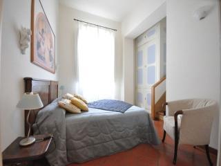 apartment near Pontevecchio-giorgio M