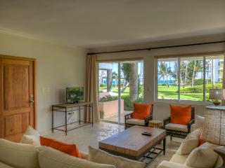 Stylish Oceanview 3 Bedroom Apartment T-F101