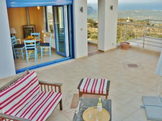 Splendid Breakfasts in Apartment-Spectacular views, Samonas