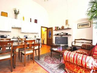 Apartment 2 minutes walk from the Cathedral, Florence