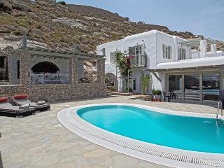 Daria II villa-Stylish Villa Overlooking Psarou Be, Míkonos