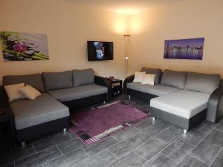 Vacation Apartment in Koblenz - 969 sqft, quiet, central, comfortable (# 4991), Coblenza