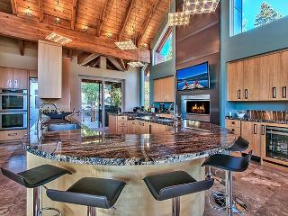 Mountain Zen Five Star Luxury with Lake Views, Incline Village