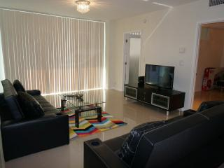 Sian Ocean Front 3Bed/2Bath, Hollywood