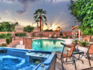 6 BDRM ESTATE-SLEEP 16 with HEATED* POOL-HOT TUB ❤️ Scottsdale's Best Location !