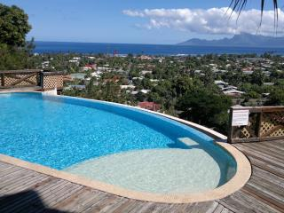 Quiet & comfortable apartment sea et Moorea view, Punaauia