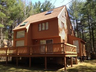 Bartlett Townhome close to Story Land, Attitash and downtown North Conway