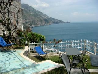 Casa Giulia-with direct access to the sea+parking, Praiano