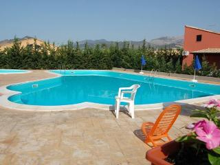 VILLA LILIA SWIMMING POOL, BEACH, Campofelice di Roccella