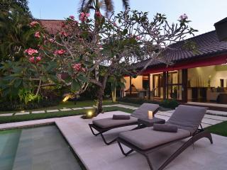 Bali - Villa Umah Duri - Luxury, cosy 4 BR villa, Seminyak