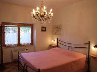 Apartment in a quiet location,on the hills peonia, Sassetta