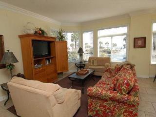 1106 SeaCrest-Oceanviews, walk to dining, shopping & activities., Hilton Head