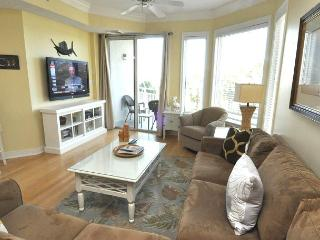 2308 SeaCrest -3rd Floor & Pretty Ocean Views.  Coastal Chic Decor, Hilton Head