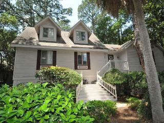 169 Mooring Buoy - 5th Row Low Country Beach Home w/ Pool & Spa, Hilton Head