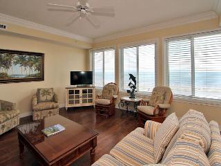 3503 SeaCrest -Direct Oceanfront 5th Floor & quick walk to Coligny., Hilton Head
