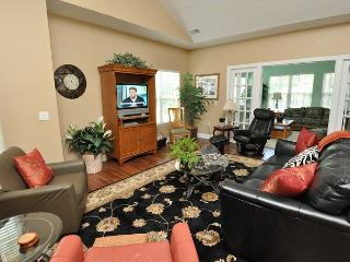 2-E Golfmaster - 3 Bedroom Villa. Pool and tennis courts on site!, Hilton Head