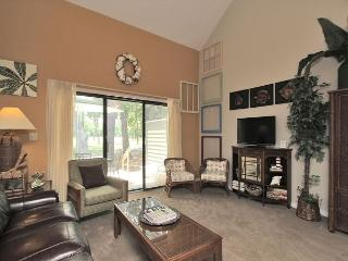 198 Greens- Cute townhouse, a quick walk to the beach & tennis., Hilton Head
