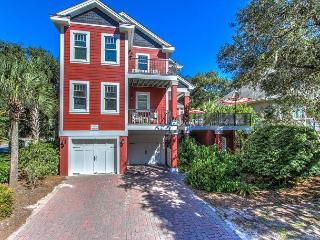 1 Curlew-5th Row Ocean BEACH HOME and quick walk to Coligny Plaza, Hilton Head