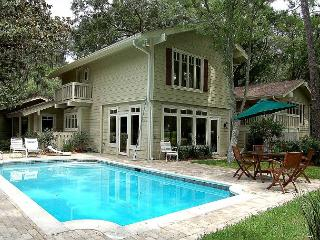 77 Plantation Drive-Beautiful 4 Bedroom Home and a Quick walk to Harbourtown, Hilton Head