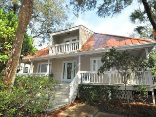 15 Avocet Street- Pool/Spa, Quick Walk to Beach & Coligny Plaza, Hilton Head
