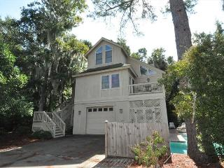 11 Myrtle Lane-4 Bedrooms/Quick Walk or Bike Ride to Ocean & Coligny Area, Hilton Head