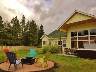Plain River Retreat, Wi-Fi, Hot Tub,  25 mins to Leavenworth