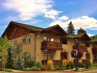 Bavarian Mountain Suite, luxurious downtown Leavenworth condo