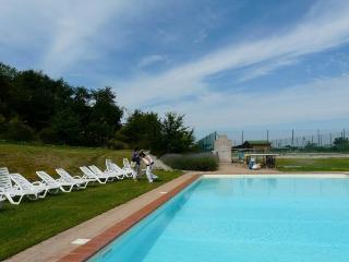 country resort in the Crete Senesi area M