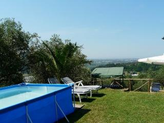lovely detached house with pool and see view