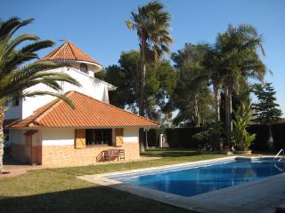 Villa Helena clalet inv. con piscina, Salou