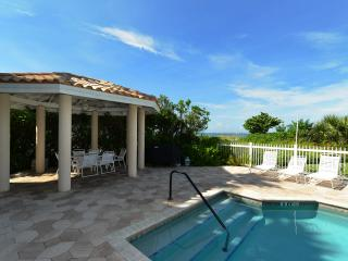LaPlage #2 Luxury Four Bedroom Beachfront, Holmes Beach