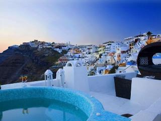 BlueVillas | Villa Blue Angel | Private jacuzzi vith view in Fira town center